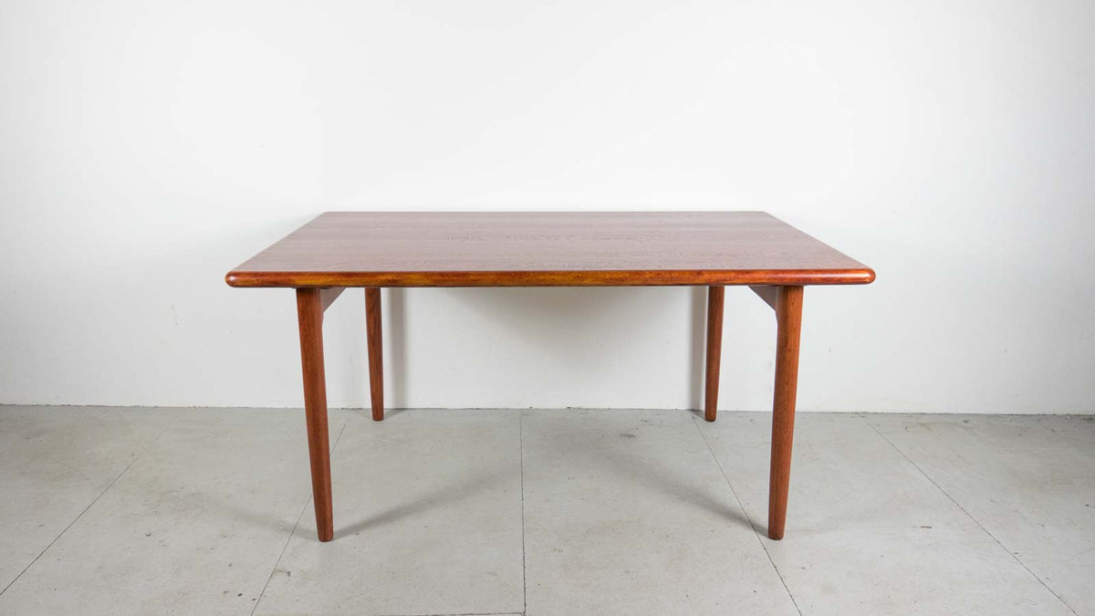 Møller Danish Modern table