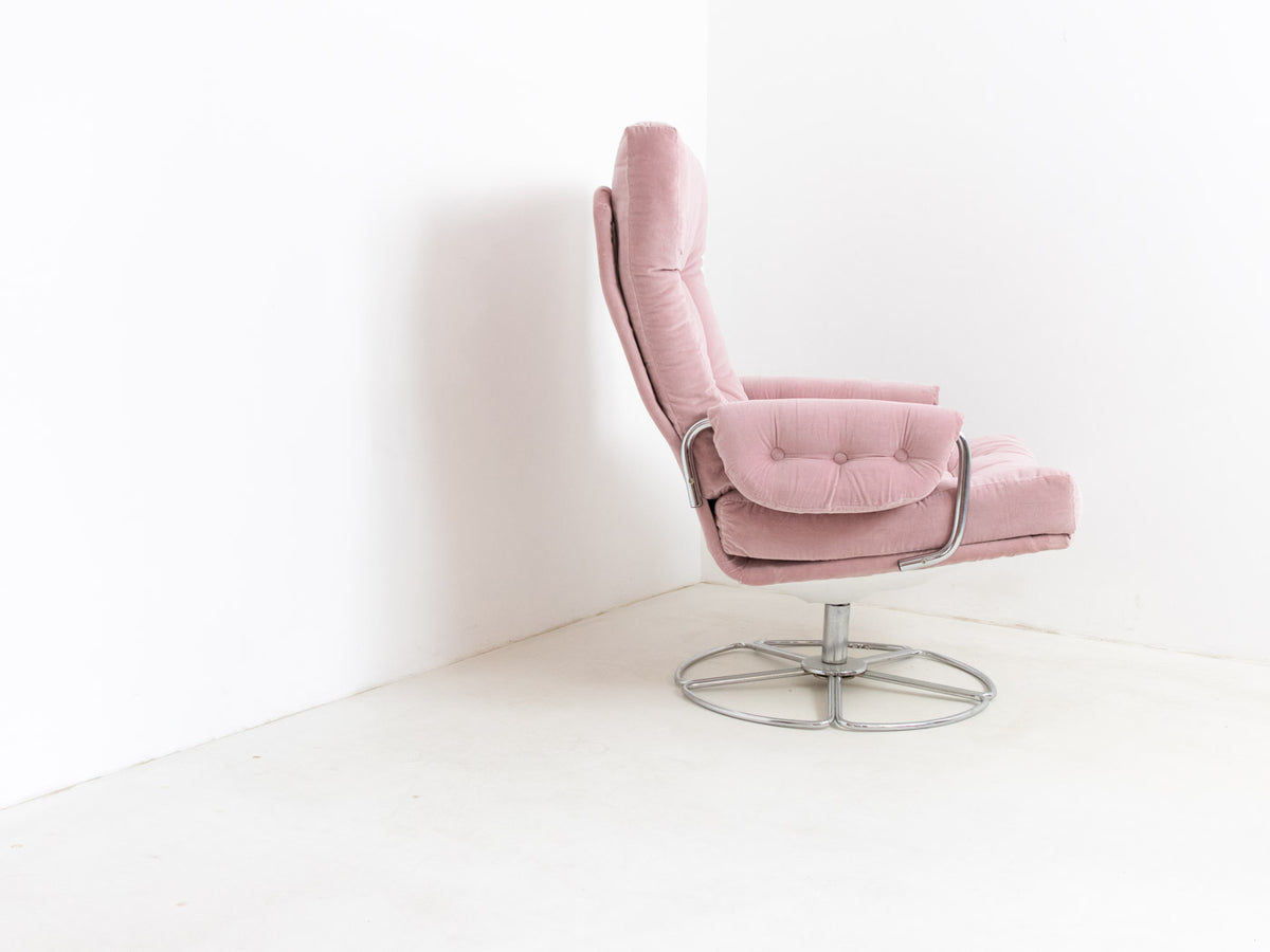Vintage Pink Velvet swivel chair by Bruno Mathsson