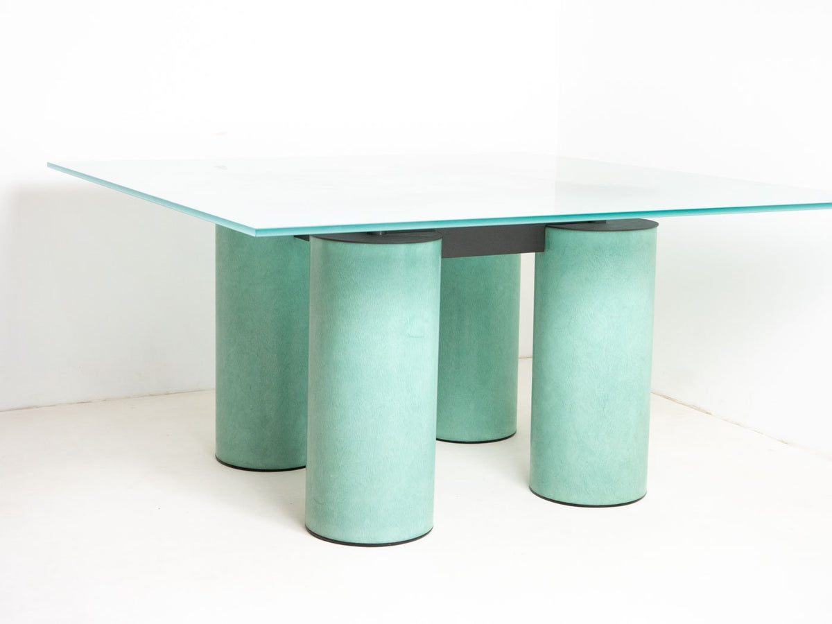 Vignelli table UK