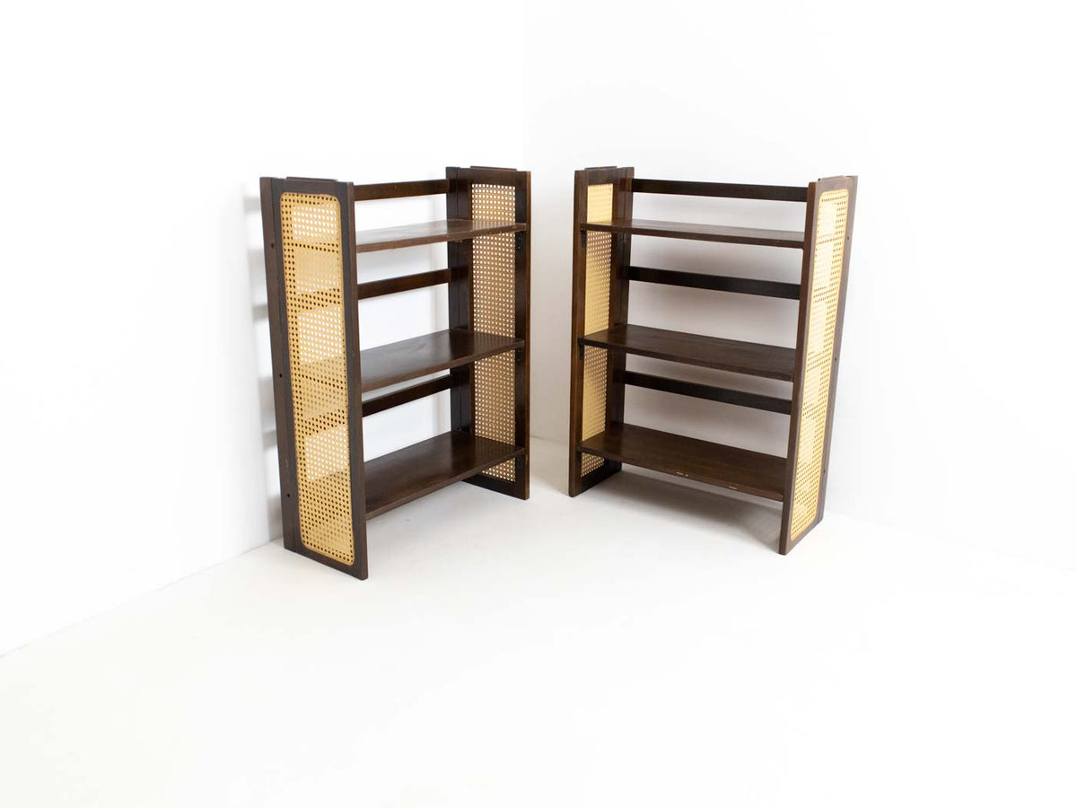 Collapsible bookcase