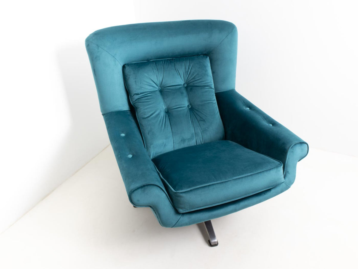 mid century modern egg chair with wingback