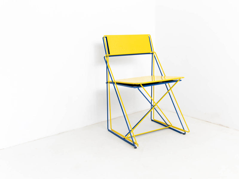 X-Line stacking chairs
