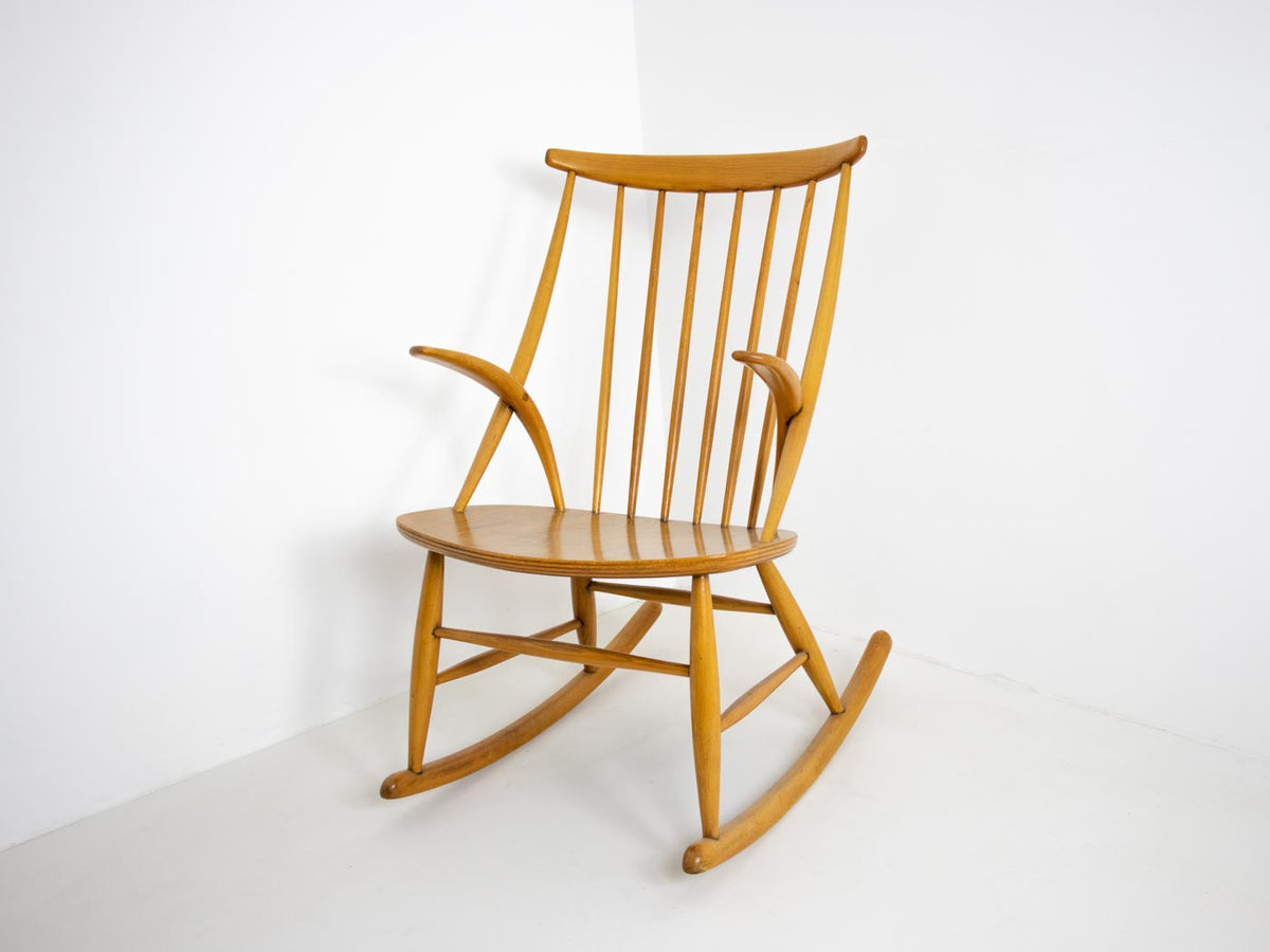 Wikkelso rocking chair