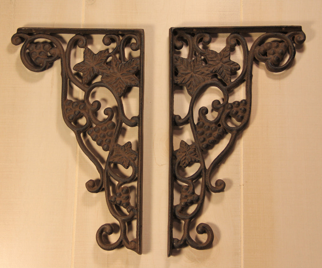 Rustic Wrought Iron Grape Vine Shelf Bracket