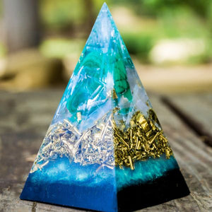 Orgonite® Pyramid-Lucky Green Malachite Black Sun Pyramid