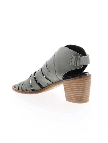 urbana leather strap sandal