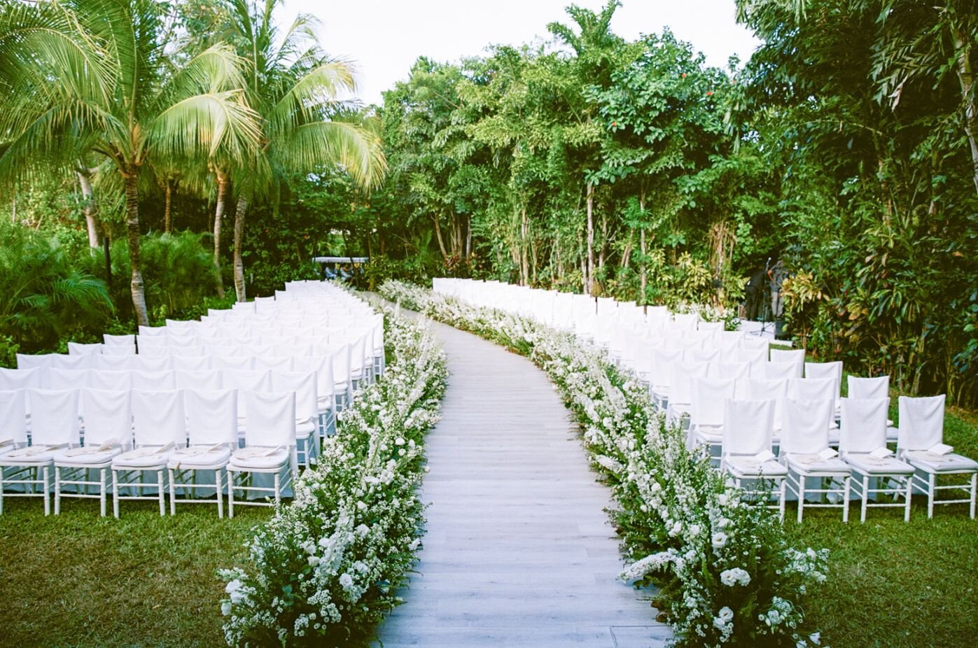 Tropical destination wedding in Rosewood Mayakoba