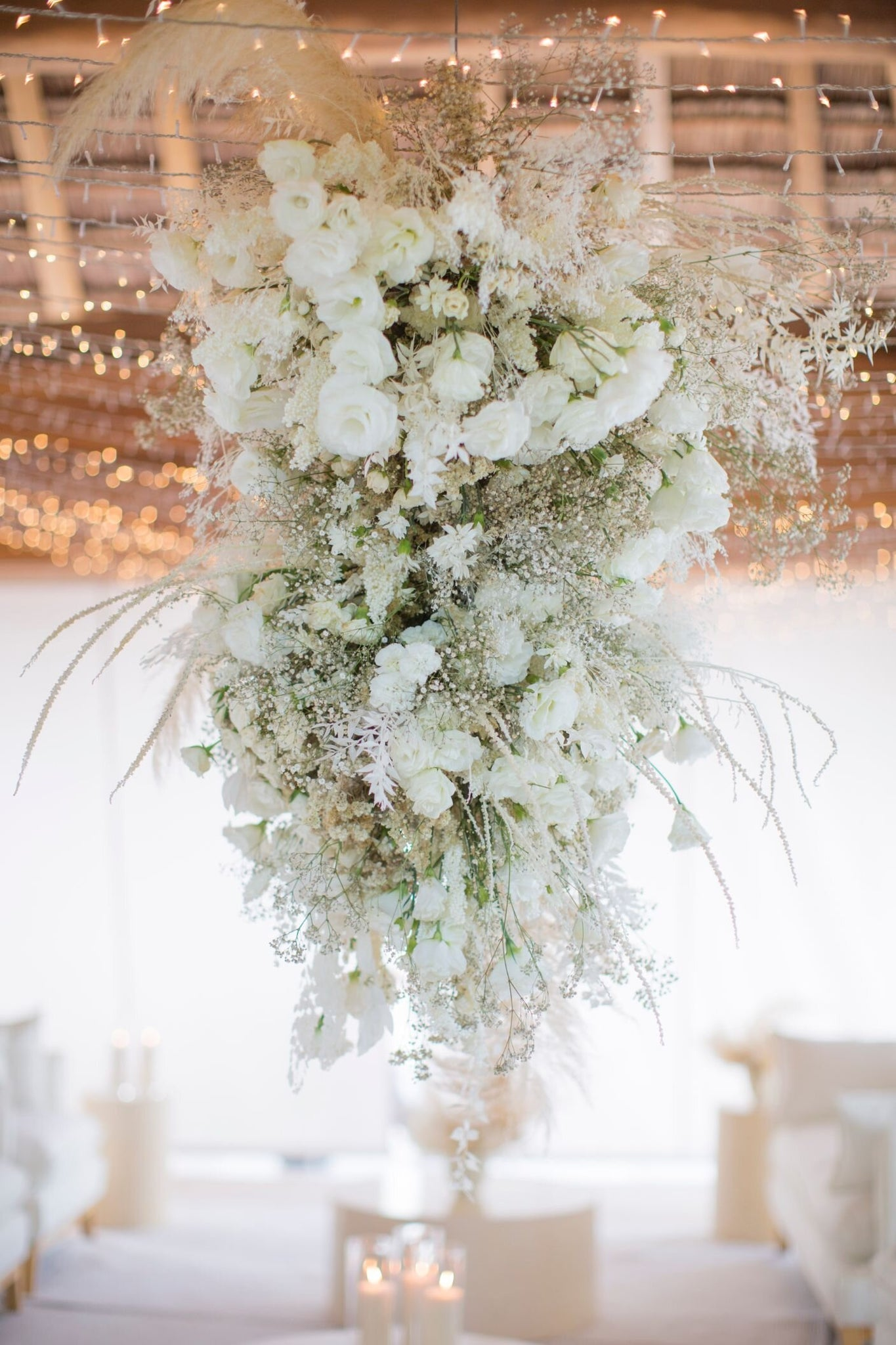 floral arrangement for beach reception