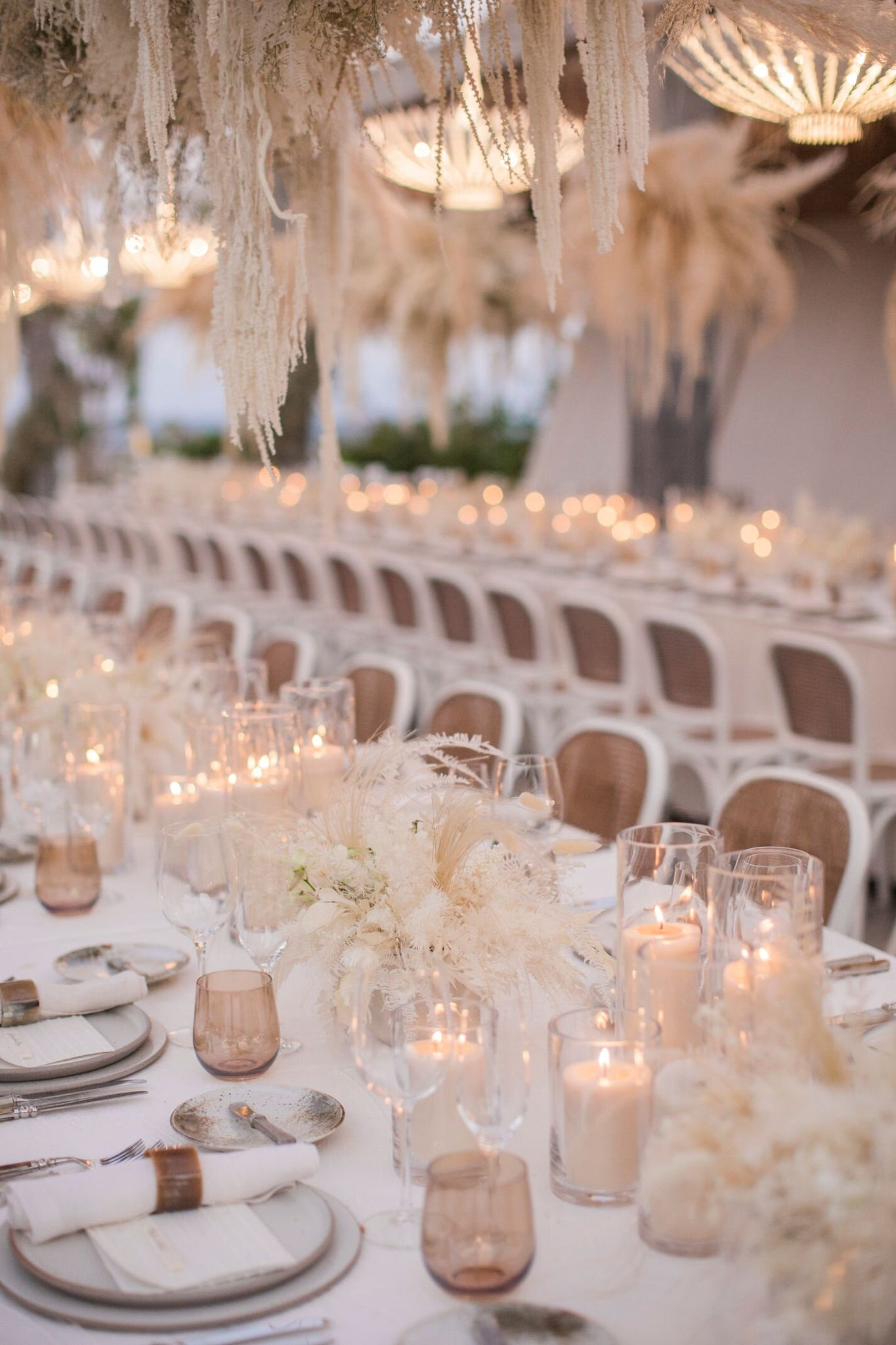 table setting for beach wedding