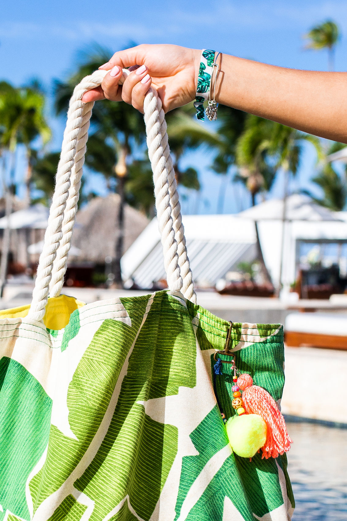 beach bag with pom pom tassel