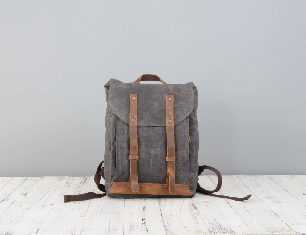 072653635 Leather Straps Waxed Canvas Backpack – EAZO