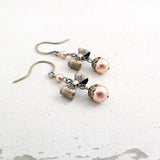 Swarovski Pearl Vintage Style Bow Earrings photo 2