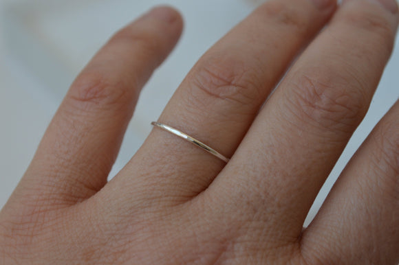 Thin Silver Hammered Stacking Ring, Stackable Ring, Delicate Silver Ring, Tiny Ring, Minimal Silver Ring, Modern Ring, One Ring, Sterling