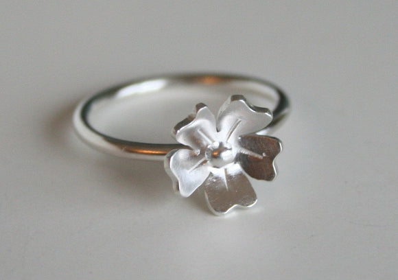Sterling Silver Flower Ring, Small Rose Ring, Flower Jewelry, Gift for Her, Anniversary Gift, Stackable Ring, Blossom, Daisy, Minimal