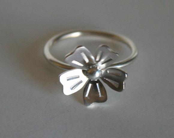 Modern Silver Flower Ring, Modern Flower Design, Silver RIng, Silver Flower Jewelry, Stamped Jewelry, Sterling Silver RIng, Gift for Her