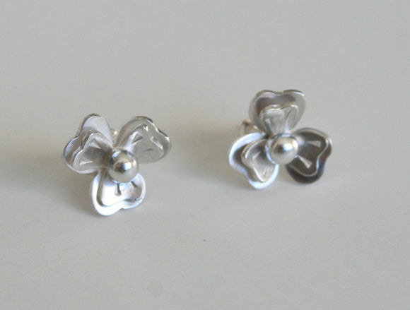 Silver Stud Earrings, Sterling Silver Stud Earrings, Dainty Earrings, Silver Flower Earrings, Violet Flower Earrings, Girls Earrings, 925