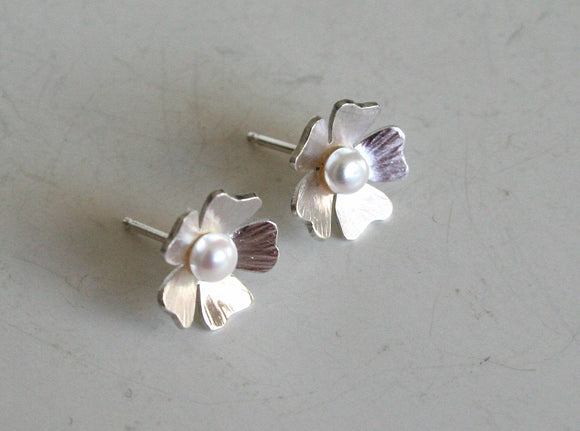 Silver and Pearl Flower Earrings, Pearl Earrings, Bridal Earrings, Flower Girls, Silver Flower Earrings, Silver and Pearl Earrings, Post