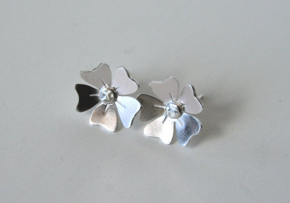 Daisy Sterling Silver Flower Post Earrings, Flower Post Earrings, Flower Stud Earrings, Sterling Silver Earrings, Handmade Silver Earrings