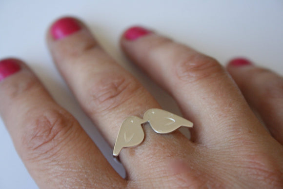 Tiny Love Birds Silver Ring, Love Birds,  Love Bird Jewelry, Valentines Jewelry, Valentines Ring, Bird Silhouette Jewelry, Kissing Birds 925
