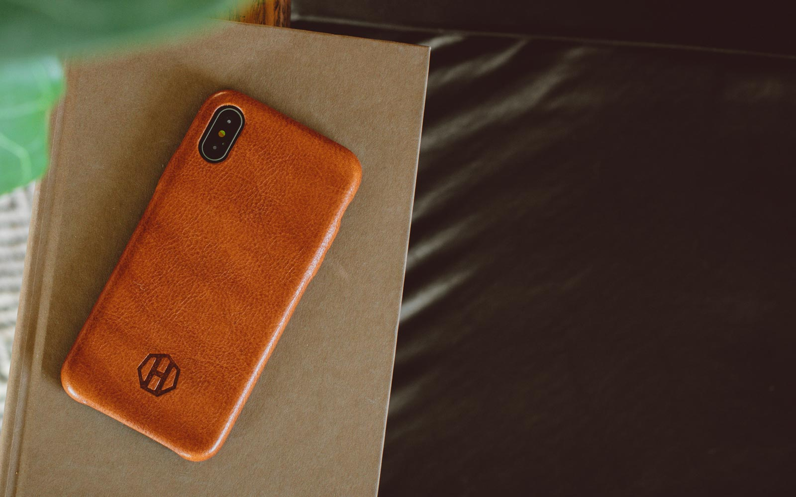 reputable site 12076 8d454 Haxford: Premium Leather Phone Cases & Slim Wallets For Men