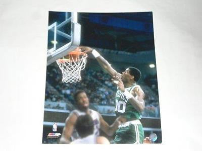 Robert Parish CELTICS unsigned 16x20 Memorabilia Lane