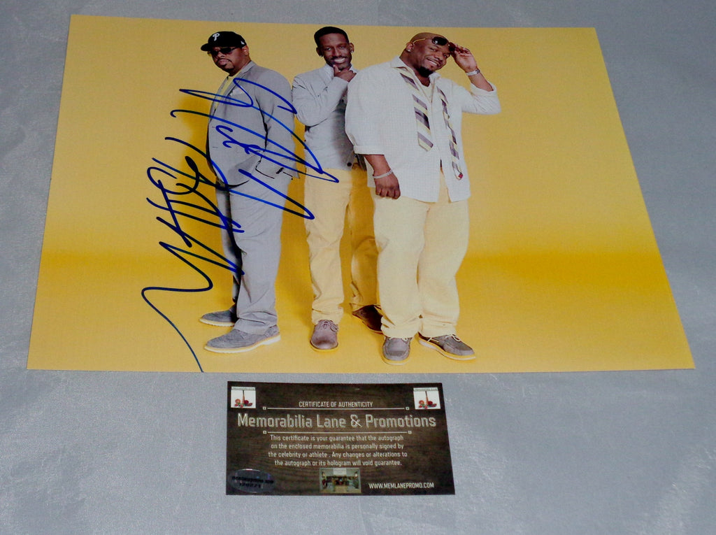 Nathan Morris BOYS II MEN SINGING autograph 8x10 COA Memorabilia Lane & Promotions