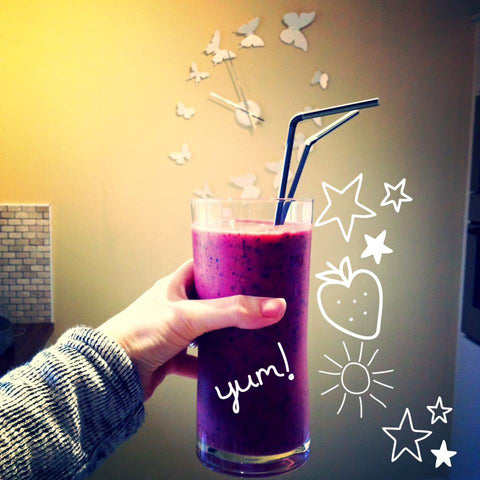 Simple berry healthy breakfast smoothie