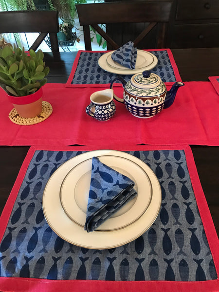 Fishy Blue Woven Table Linen Set