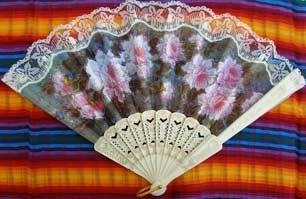 Spanish Fan with Pink Flowers