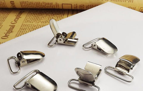 Silver metal suspender clips - MAE Inspirations