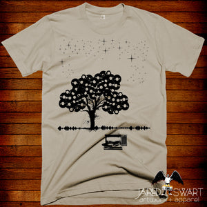 Record collector t-shirt The Vinyl Tree by Jared swart