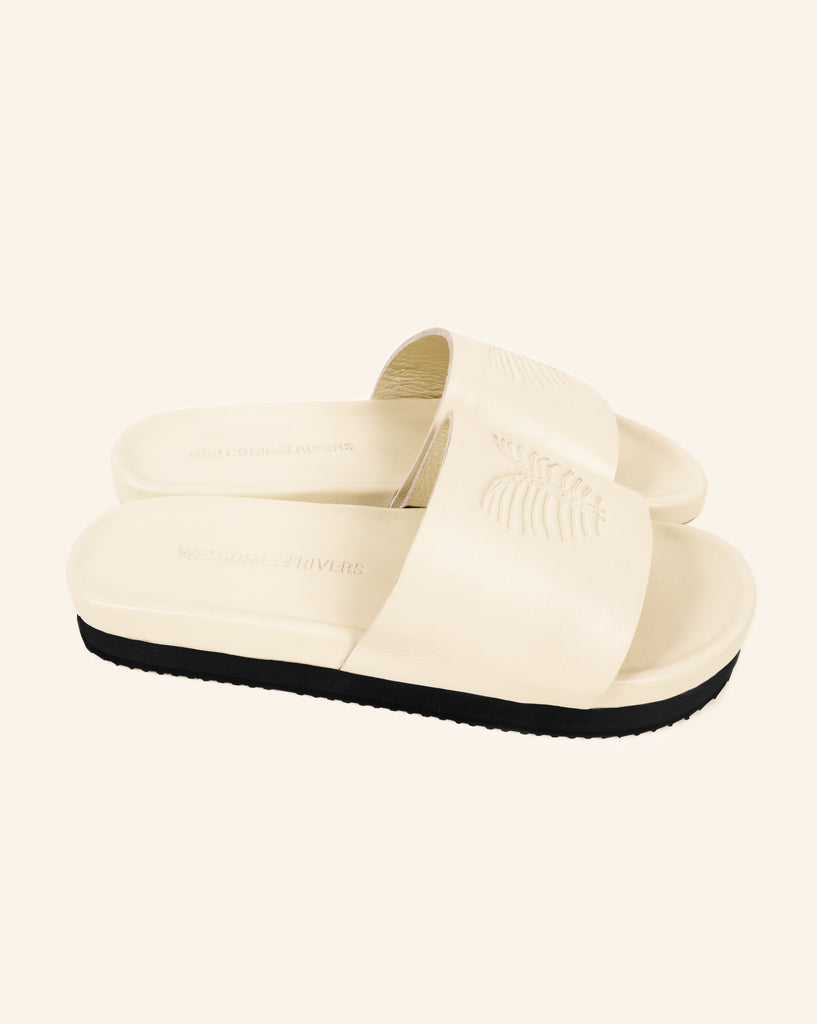 LEATHER SLIDES CREAM/BLACK