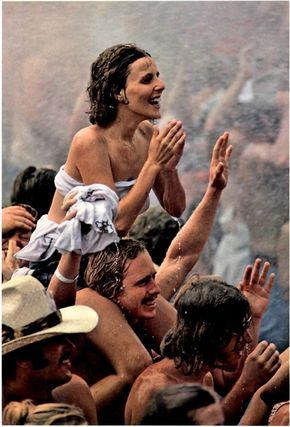 Woodstock 1969 Crowd Flare Street