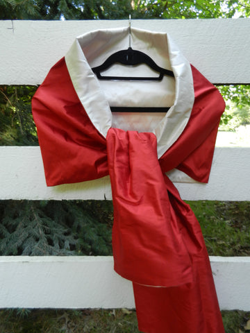 Silk Wrap in Red and Off White (LW12)
