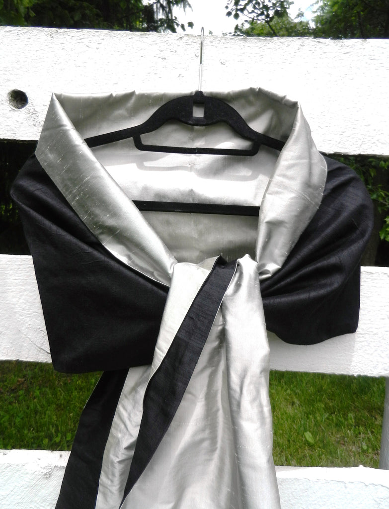 Silk Wrap in Black and Silver (LW27)