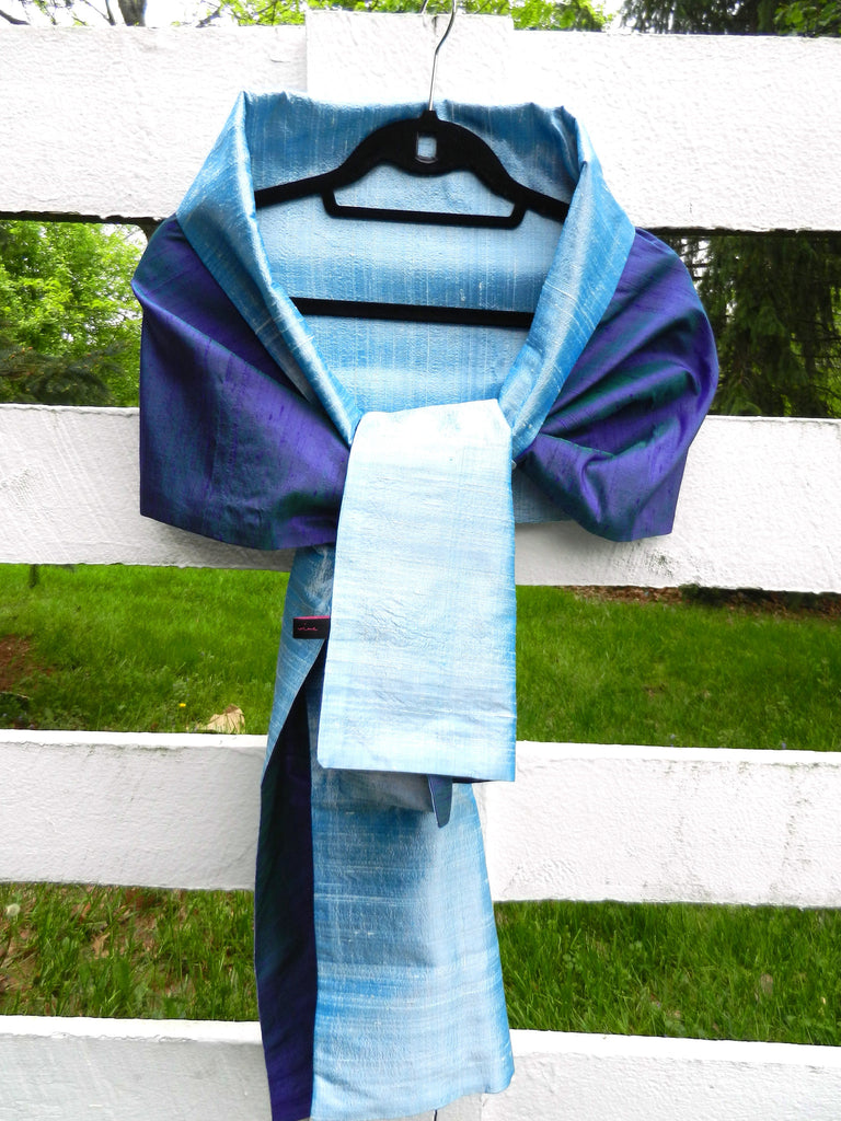 Silk Wrap in Dual Tone Blue (LW35)