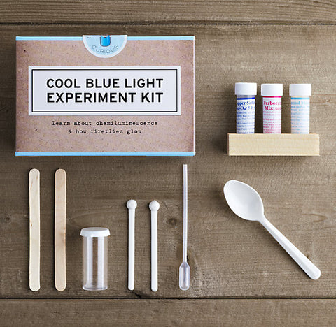 Chemiluminescence (Blue LightCool Blue Light Experiment Kit) - STEM Box Australia