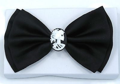 BLACK WITH WHITE LADY CAMEO IN CENTER TUXEDO ADJUSTABLE BOWTIE BOW TIE-NEW BOX!