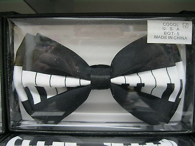 BLACK AND WHITE PAINO KEY ADJUSTABLE  BOW TIE-NEW GIFT BOX!