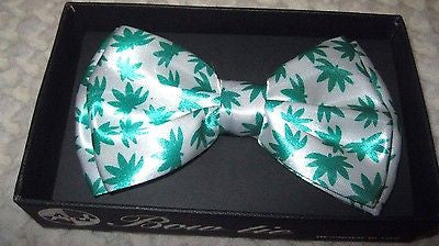 WHITE WITH GREEN MARIJUANA MJ WEED LEAVES ADJUSTABLE  BOW TIE-NEW GIFT BOX!