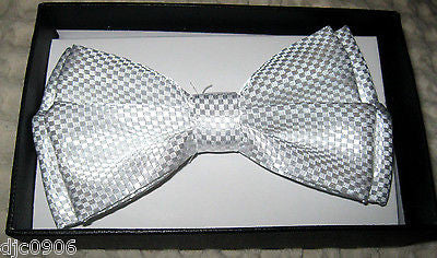 Solid Black Diamond Mesh Pattern Bow Tie & Solid White Y-Style Back Suspenders