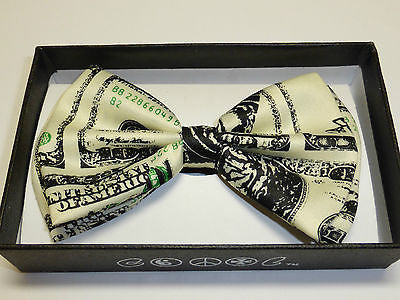 Solid Green Adjustable Bow Tie & Green w/ White 3 Leaf Clovers Adj. Suspenders