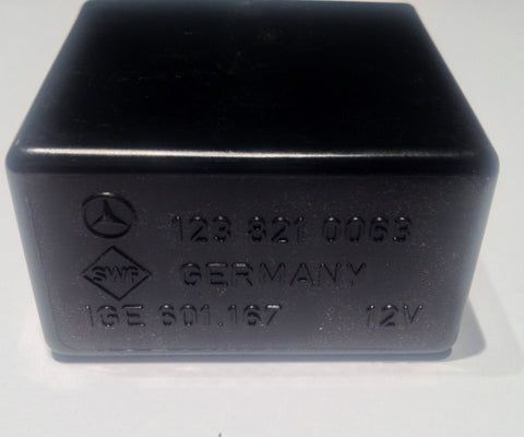 NEW ORIGINAL MERCEDES-BENZ WINDSHIELD WIPER RELAY 450SL 450SLC 280SL 280SLC 350SL 350SLC 380SL 380SLC 450SLC 5.0 450SE 450SEL 6.9 450SEL 230 240D 280CE 280E 300CD 300D 300TD