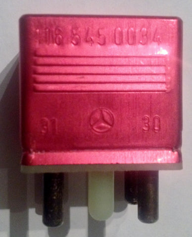 NEW GENUINE MERCEDES-BENZ RELAY VOLTAGE OVERLOAD SAFETY FUSE  FUEL-PUMP 350SL 350SLC  450SLC 5.0   450SL 450SLC 380SL 380SLC 280SL 280SLC 240D 280E 280CE 300D 300TD 300TD-T 300SD 380SE 380SEL 500SEC 500SEL