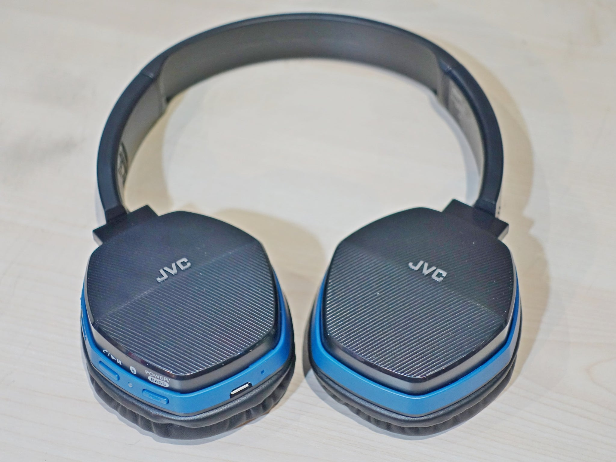 JVC HA-SBT5 Demo (SS15) - Jaben - The Little Headphone Store