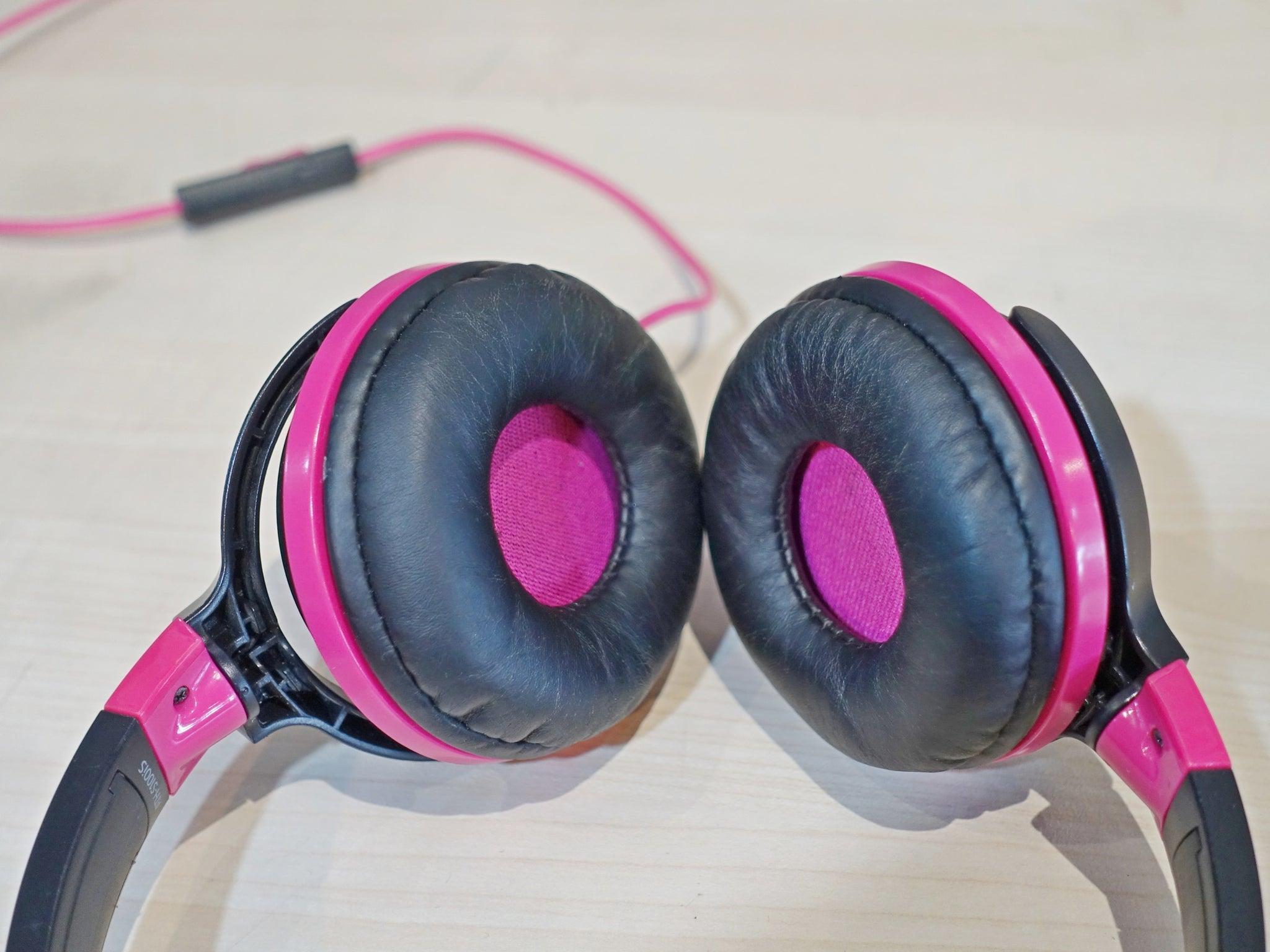 Audio Technica ATH-S100iS Demo (SS15) - Jaben - The Little Headphone Store