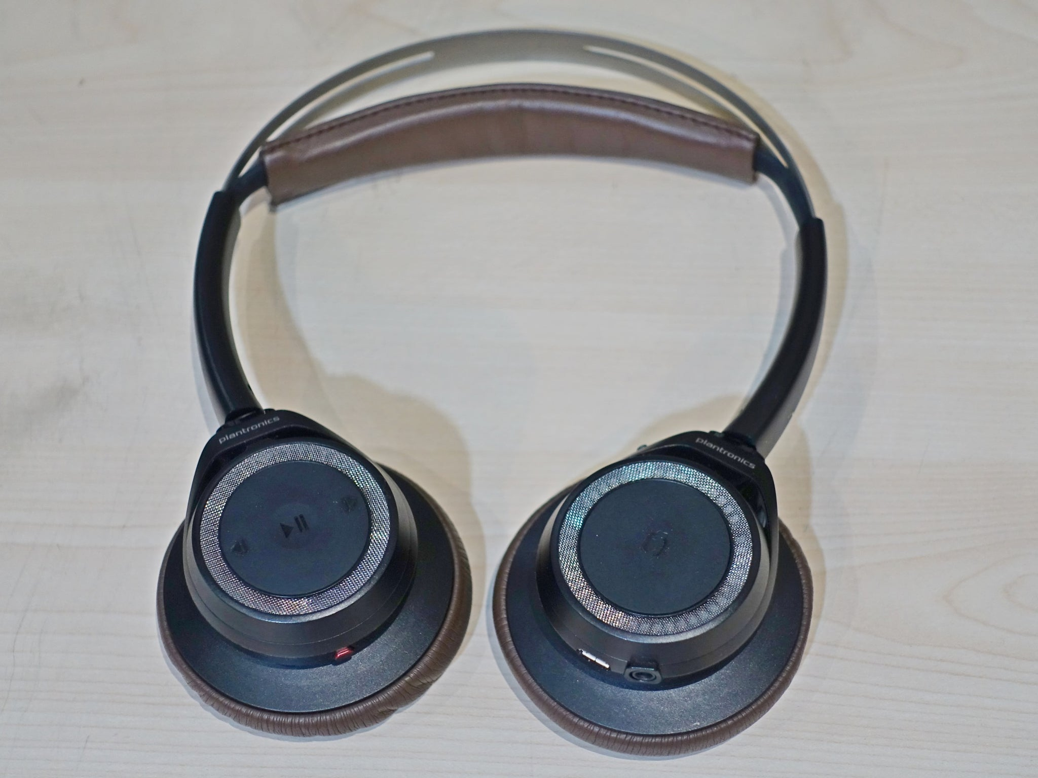Plantronics Backbeat Sense Demo (SS15)