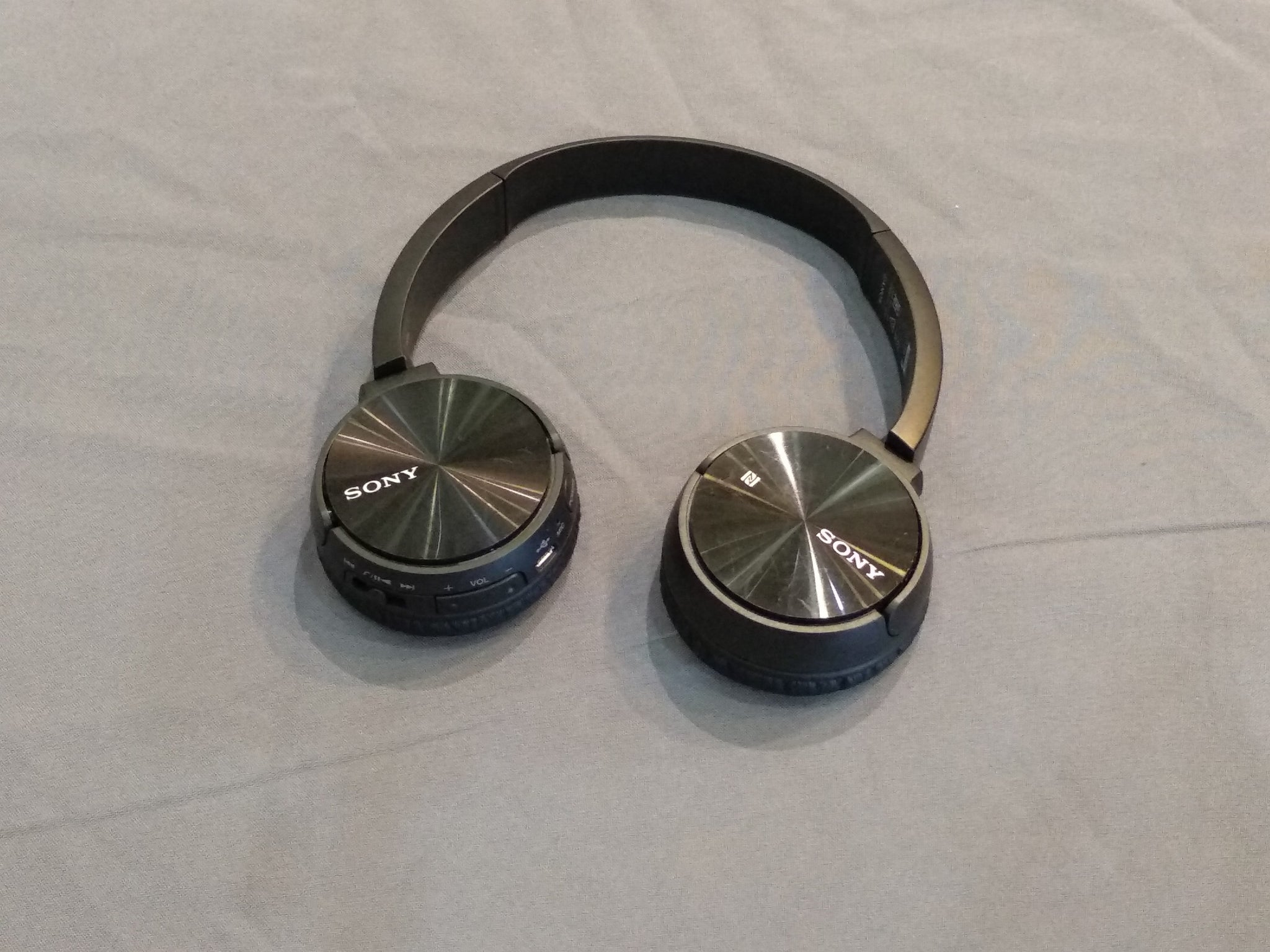 Sony MDR-ZX330BT Demo (Kuching)