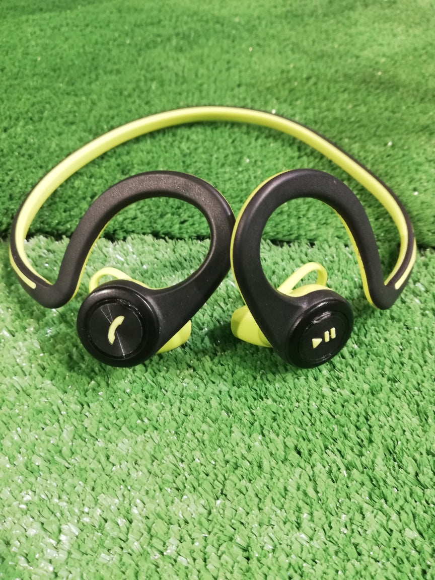 Plantronics Backbeat Fit Demo (Queensbay)