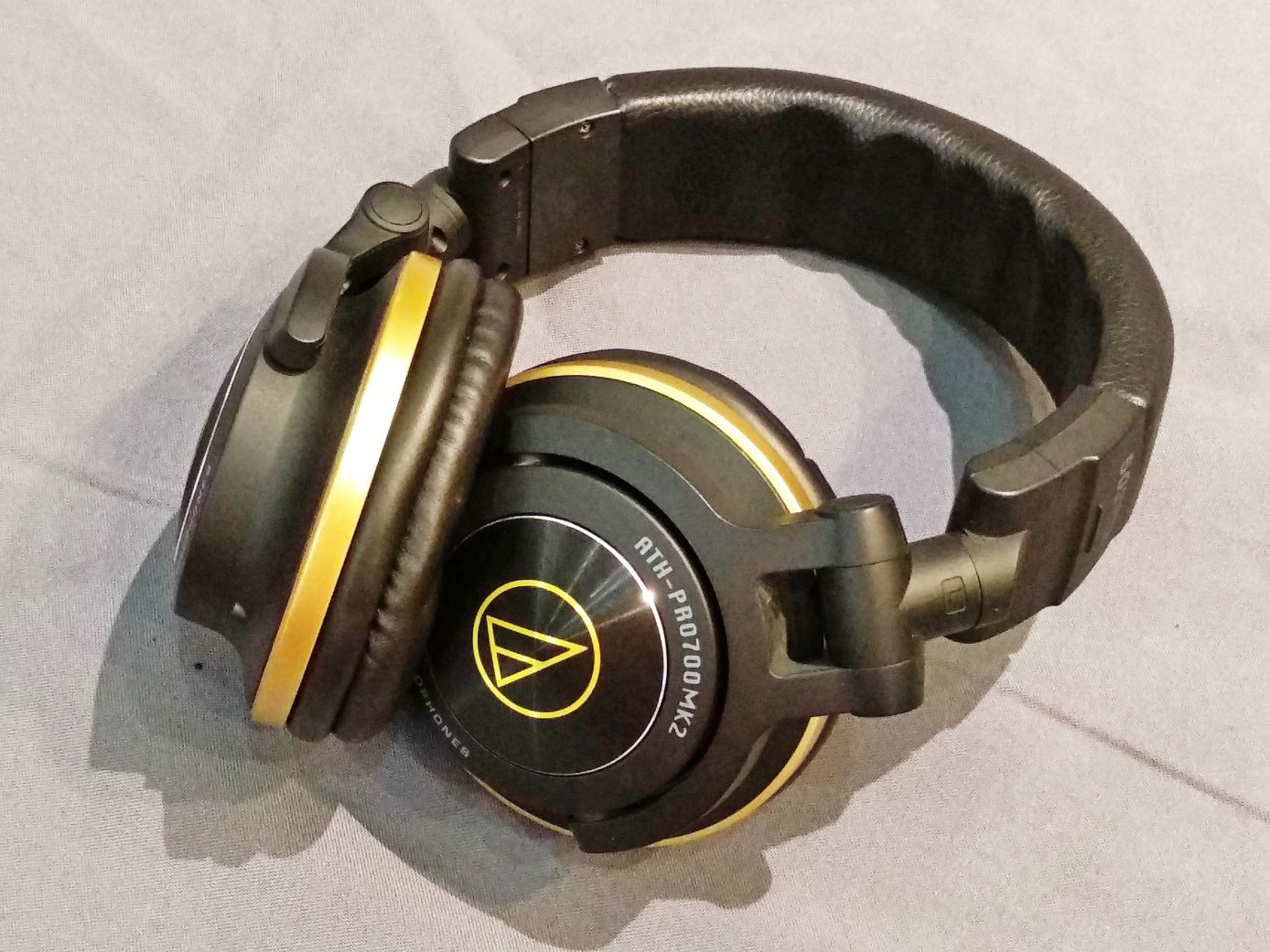 Audio Technica ATH-PRO700MK2ANV Demo (Kuching) - Jaben - The Little Headphone Store